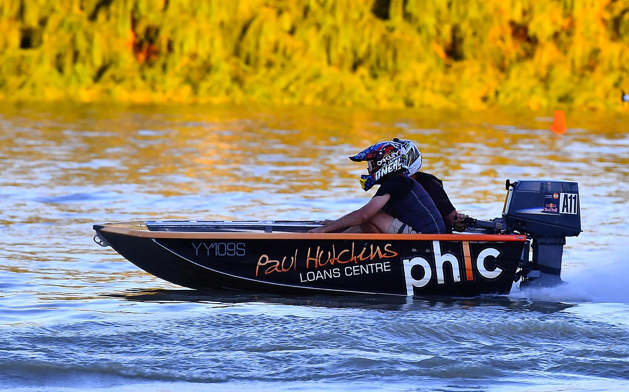 Round 6 Riverland Dinghy Club - The Paul Hutchins Loan Centre Hunchee Run - Surfers Gold Coast