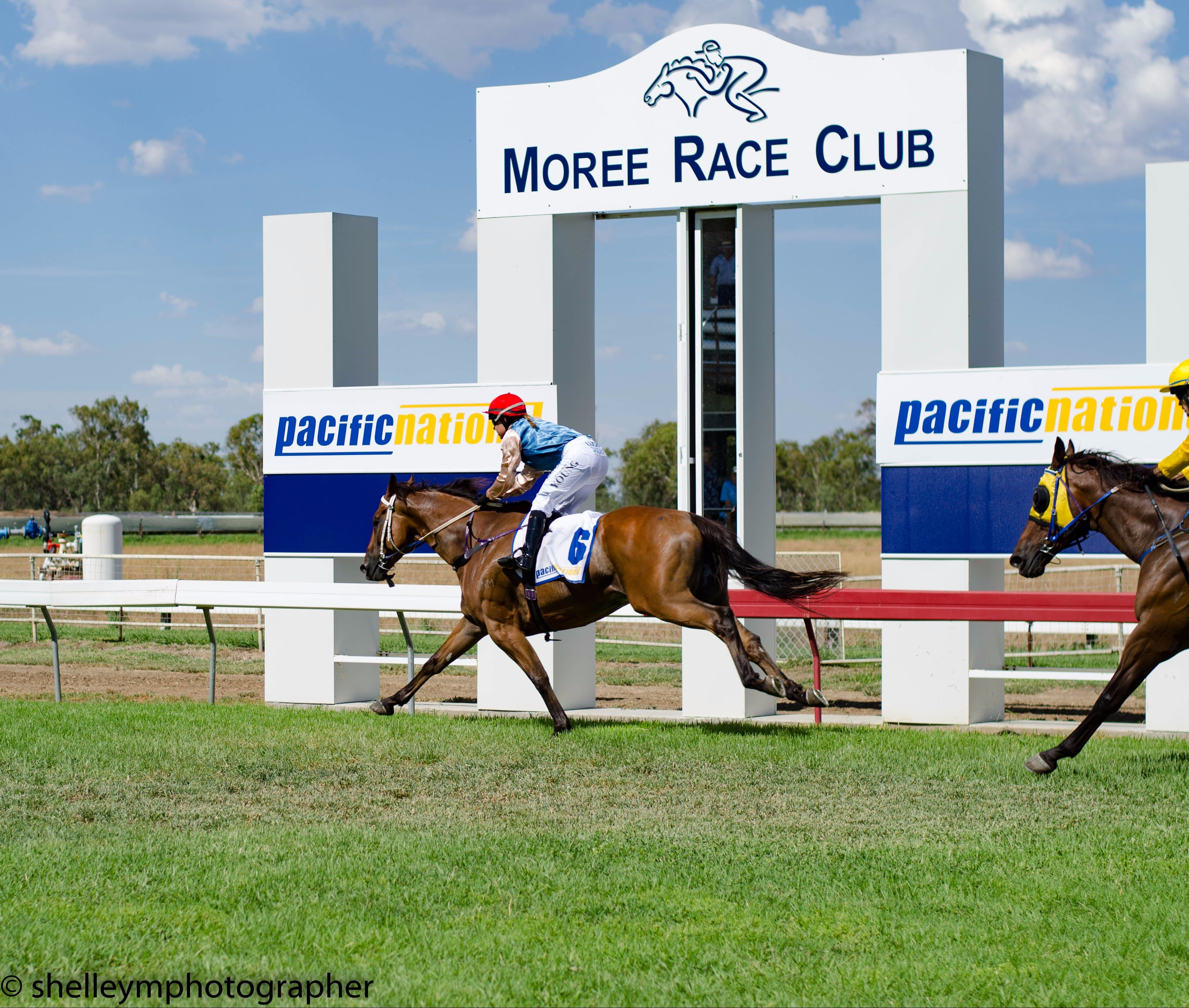 Moree Race Club TAB Race Day - Surfers Gold Coast