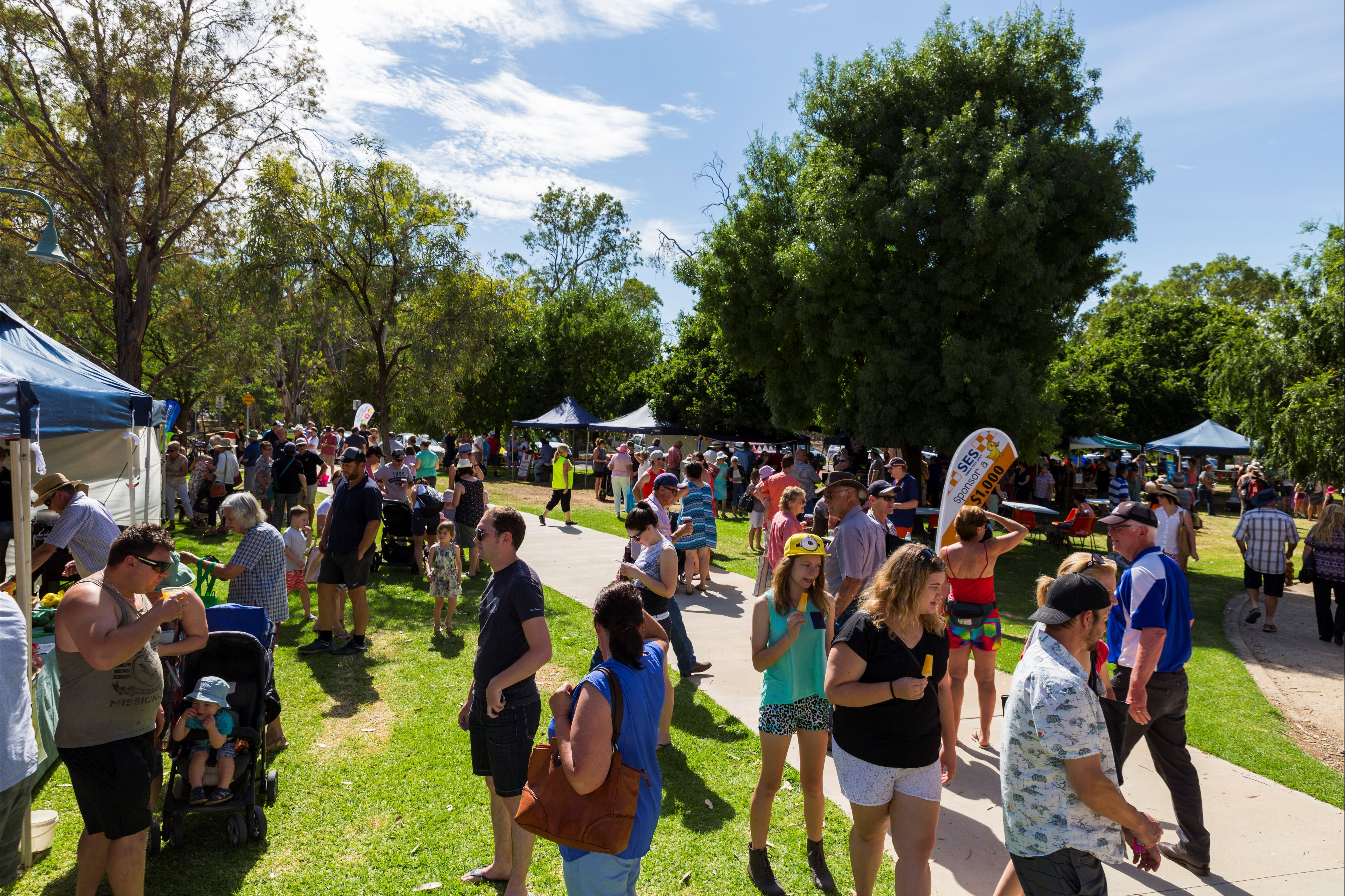 Swan Hill Farmers Market - Surfers Gold Coast