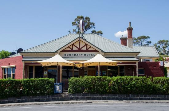 The Old Boundary Hotel - Surfers Gold Coast