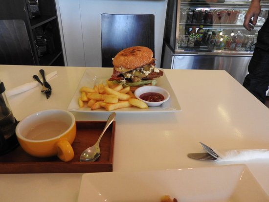 Brya's Cafe - Surfers Gold Coast