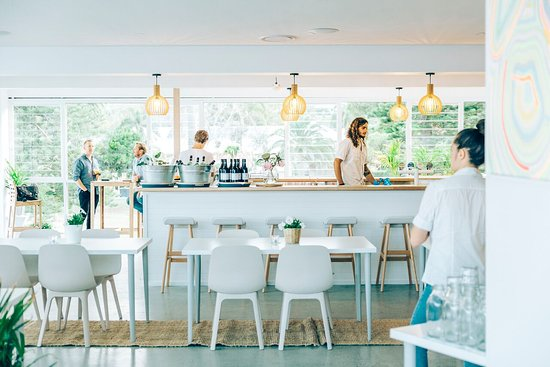 Avoca Surf House - Surfers Gold Coast