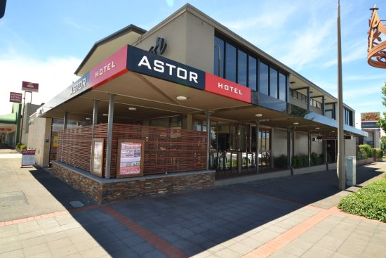 Astor Hotel - Surfers Gold Coast