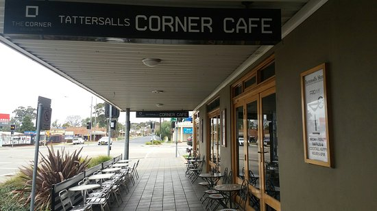 The Corner Cafe -Tatts Pub - Surfers Gold Coast