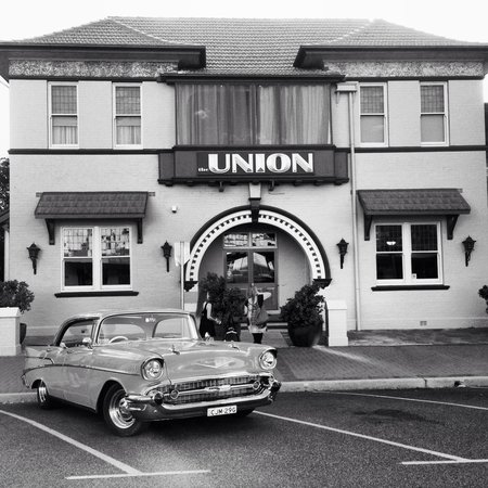 The Union Bar Inverell - Surfers Gold Coast