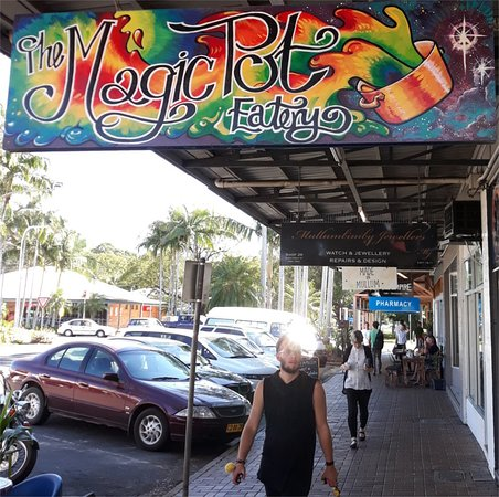 The Magic Pot - Surfers Gold Coast