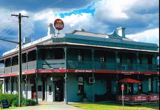 The Oriental Hotel Tumut - Surfers Paradise Gold Coast
