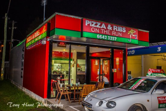 Pizza And Ribs On The Run - Surfers Gold Coast