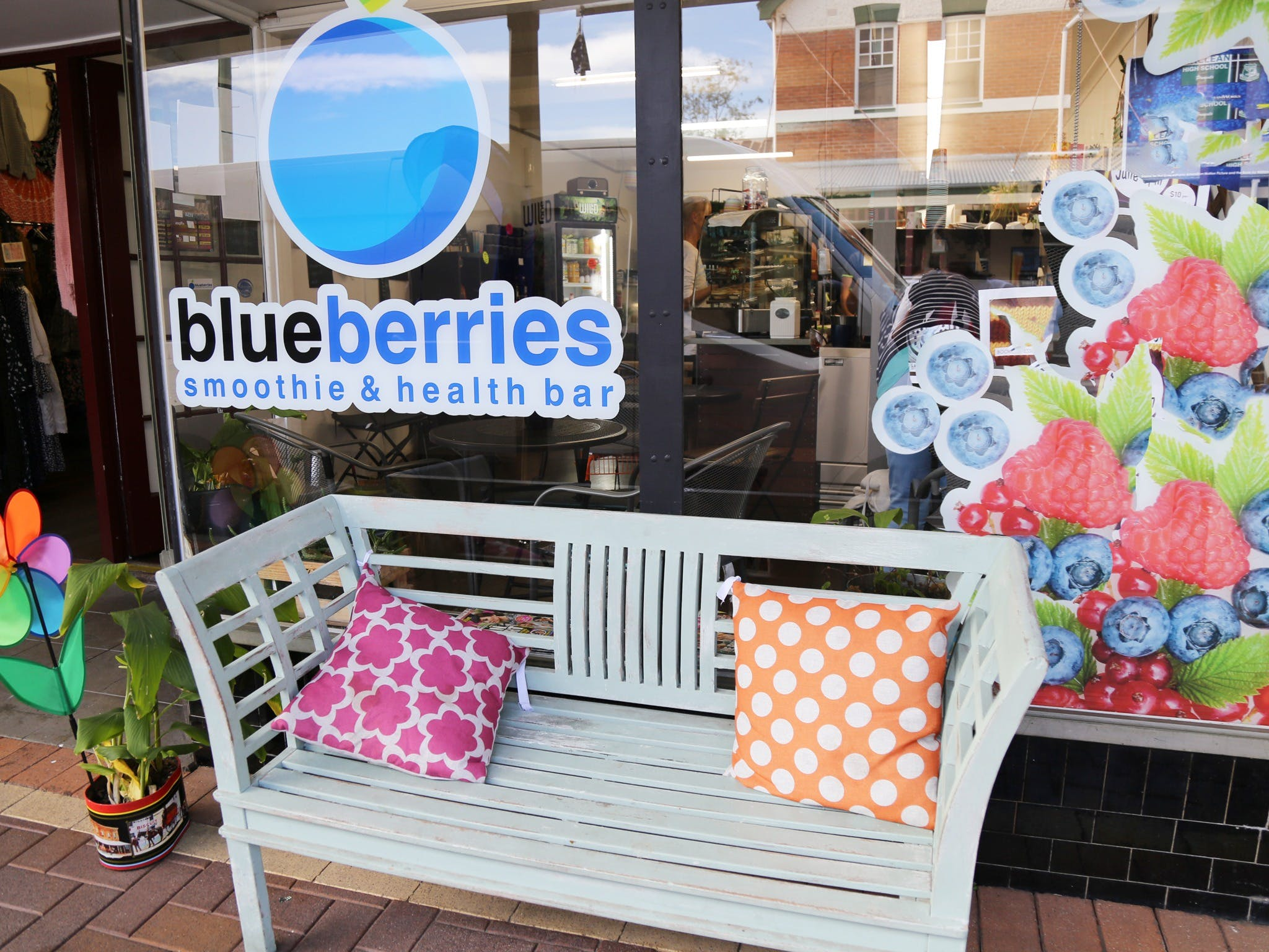 Blueberries Smoothie and Health Bar - Surfers Gold Coast