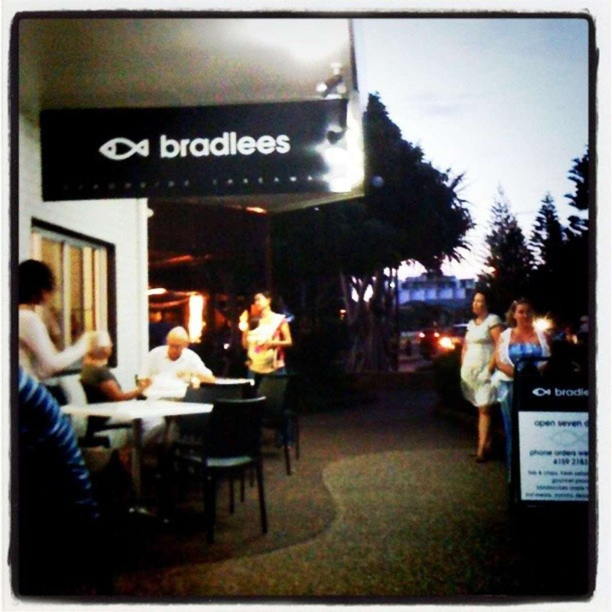 Bradlees on the Beach - Surfers Gold Coast