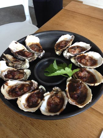 Get Shucked Oyster - Surfers Paradise Gold Coast
