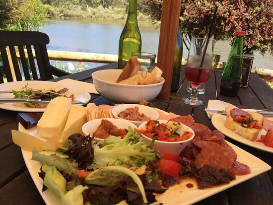 The Lake House Restaurant - Surfers Gold Coast