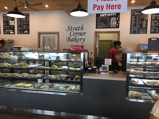Strath Corner Bakery - Surfers Gold Coast