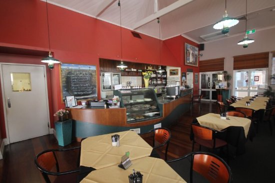 Henry's Cafe and Restaurant - Surfers Paradise Gold Coast