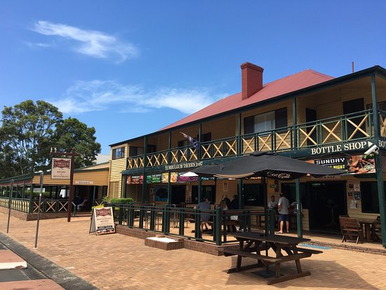 Tumbulgum Tavern - Surfers Gold Coast