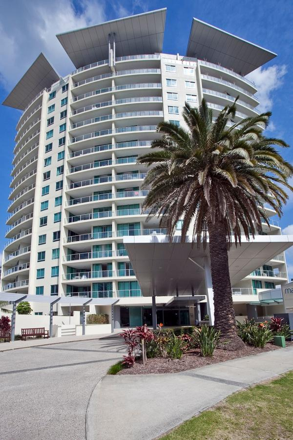 Wings Resort Apartments and 2 Story Penthouses - We Accommodate Surfers Paradise