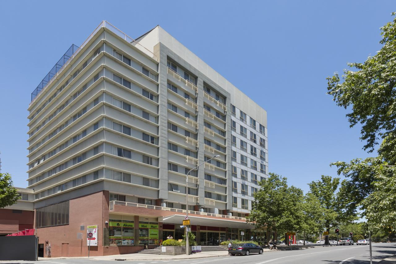 Nesuto Canberra formerly Waldorf Canberra Apartment Hotel - Surfers Paradise Gold Coast