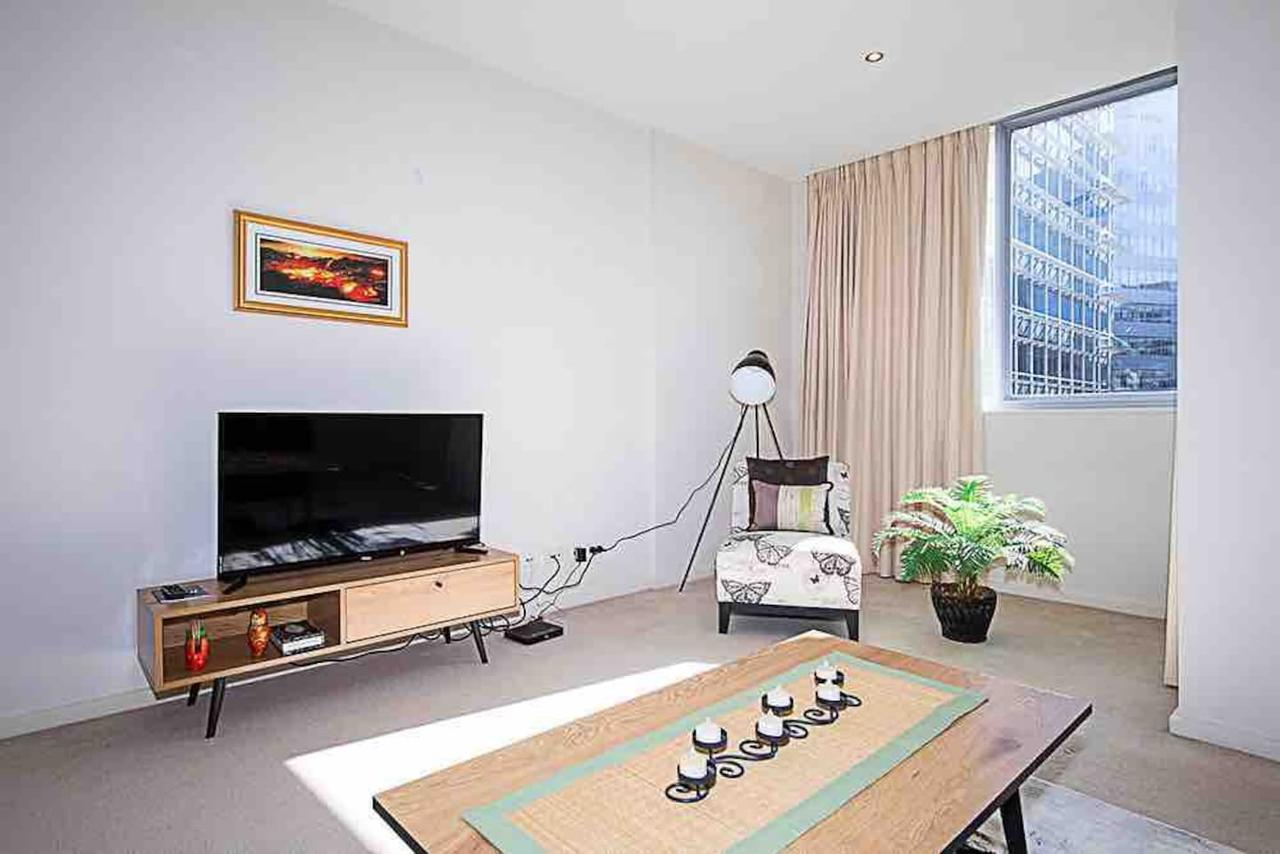 Spacious 1BR Stylish New Acton Apartment Parking - Surfers Paradise Gold Coast