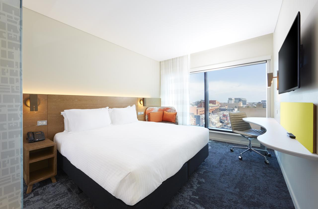 Holiday Inn Express Adelaide City Centre - Surfers Paradise Gold Coast