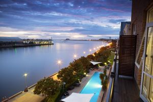 Rydges Newcastle - Surfers Gold Coast