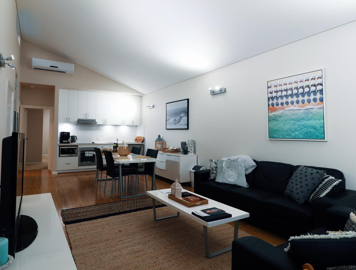Villa Sedici  Cape Villas Dunsborough - Surfers Paradise Gold Coast