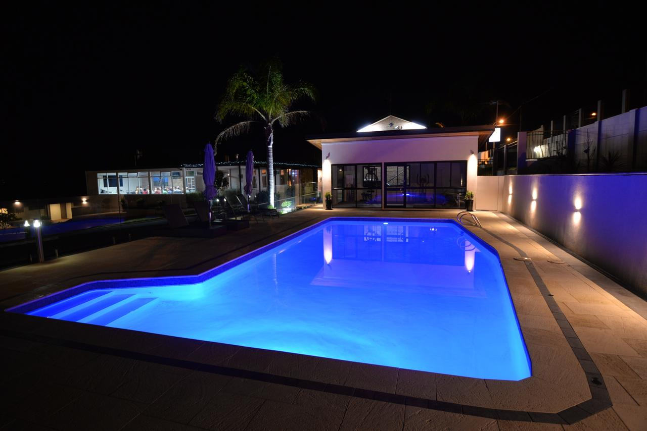 Country Comfort Amity Motel - Surfers Paradise Gold Coast