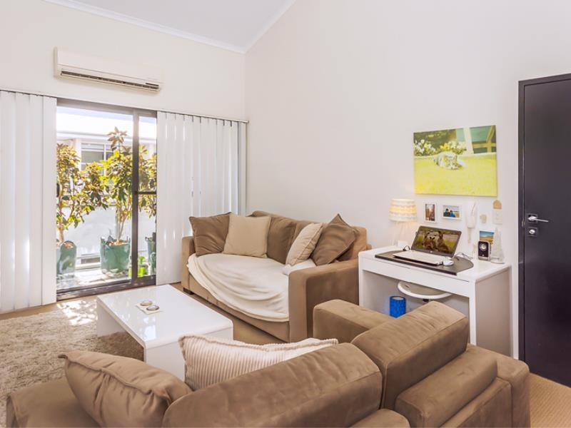 Home Apartment - Perth City Centre - Free WiFi - Surfers Paradise Gold Coast