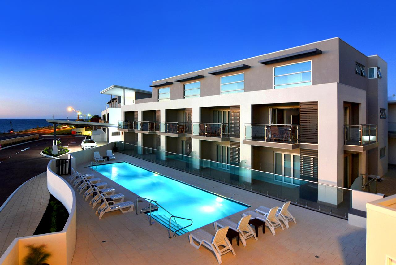 Bunbury Seaview Apartments - Surfers Gold Coast