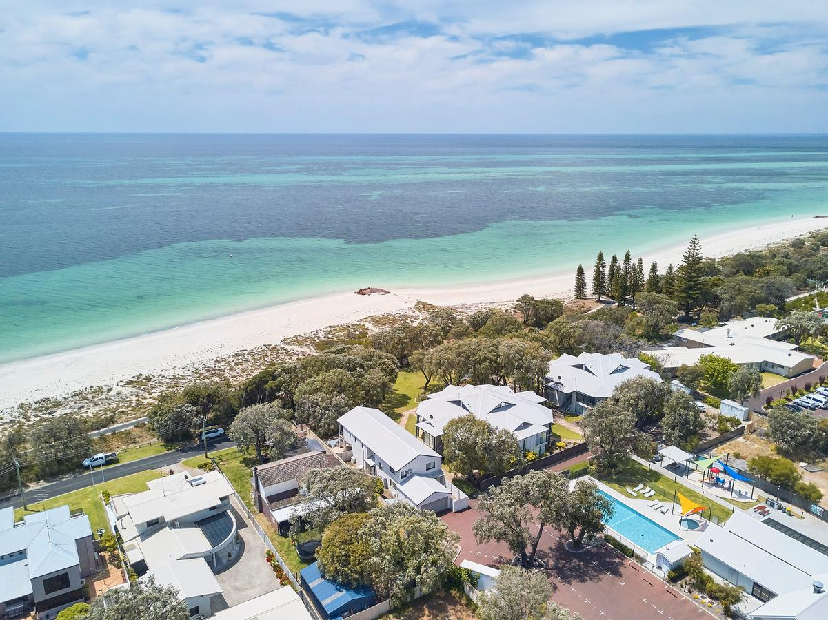 Cape View Beach Resort - Surfers Gold Coast