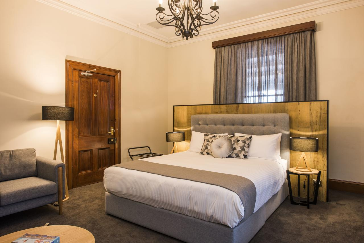 The Parkview Hotel Mudgee - Surfers Paradise Gold Coast