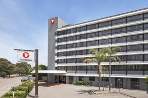Travelodge Hotel Newcastle - Surfers Gold Coast