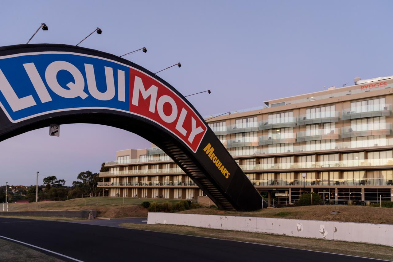 Rydges Mount Panorama Bathurst - Surfers Gold Coast
