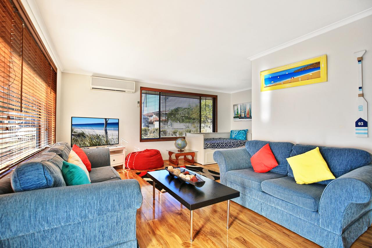 Sandy Toes Beach House Jervis Bay - 2min to Beach - Surfers Gold Coast