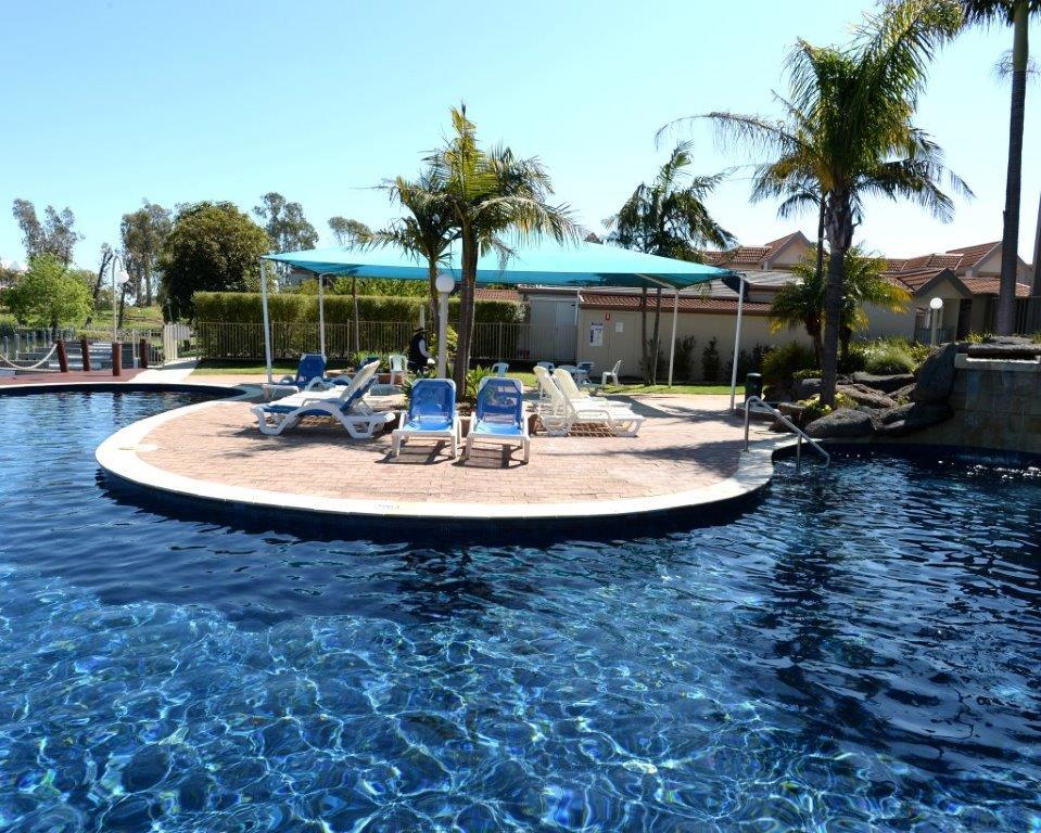 Yarrawonga Waterfront Apartments - Surfers Gold Coast