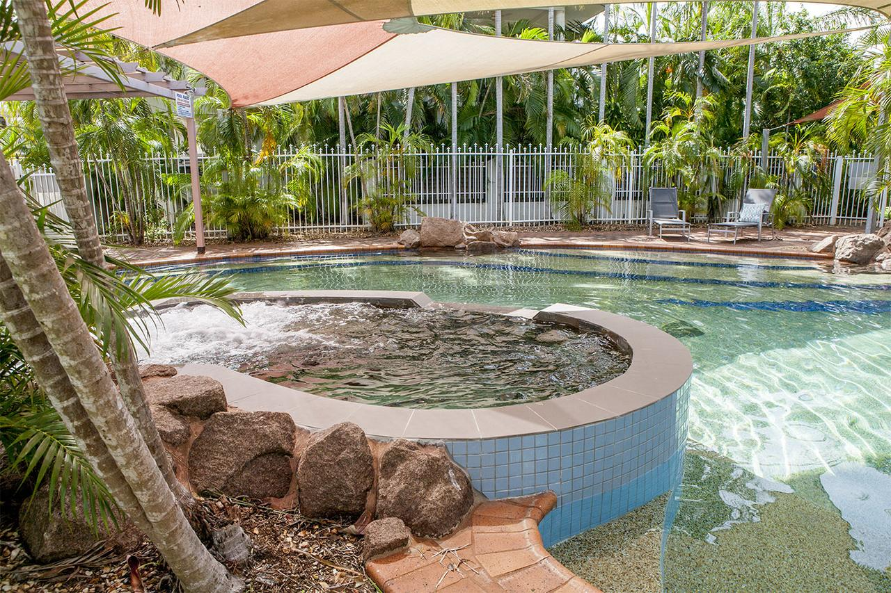 Nightcliff Foreshore Getaway - McKay Gardens - Surfers Paradise Gold Coast