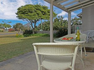 Callala Beach Cottage - charm and character - Surfers Gold Coast