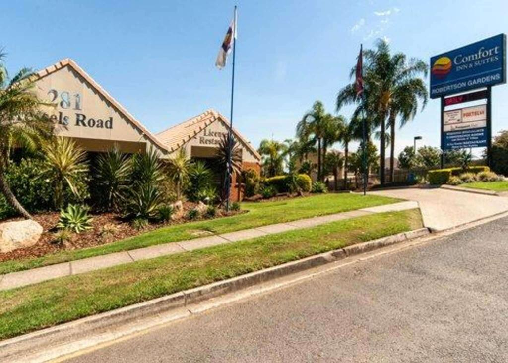 Comfort Inn and Suites Robertson Gardens - Surfers Gold Coast