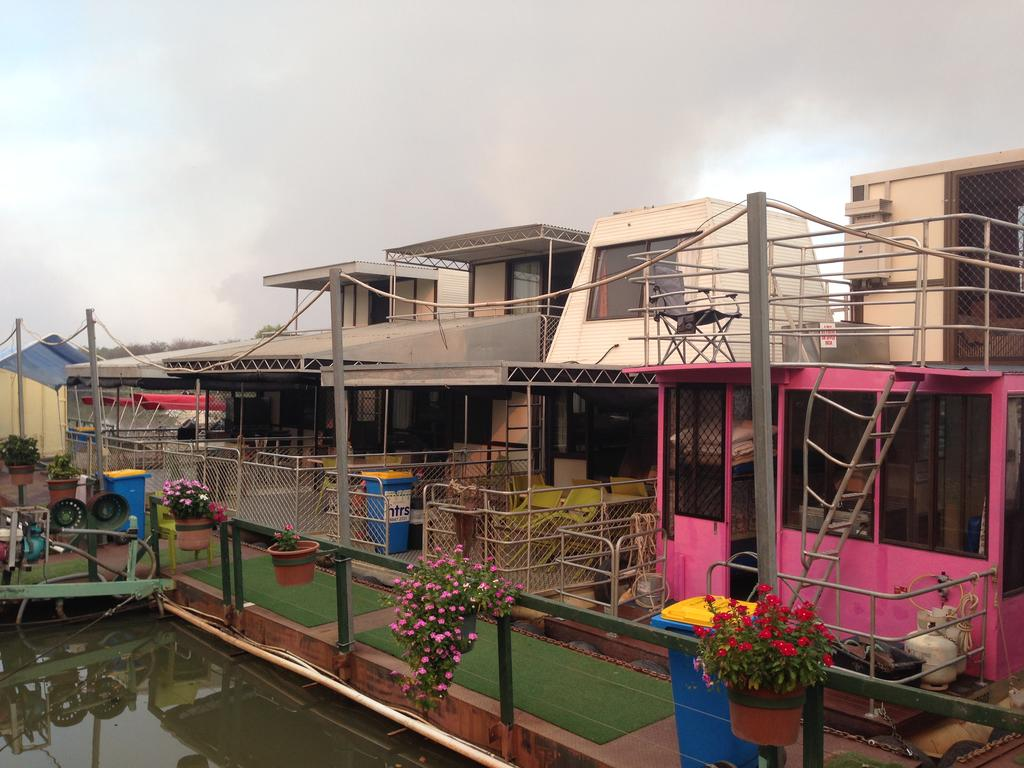 Corroboree Houseboats - Surfers Gold Coast