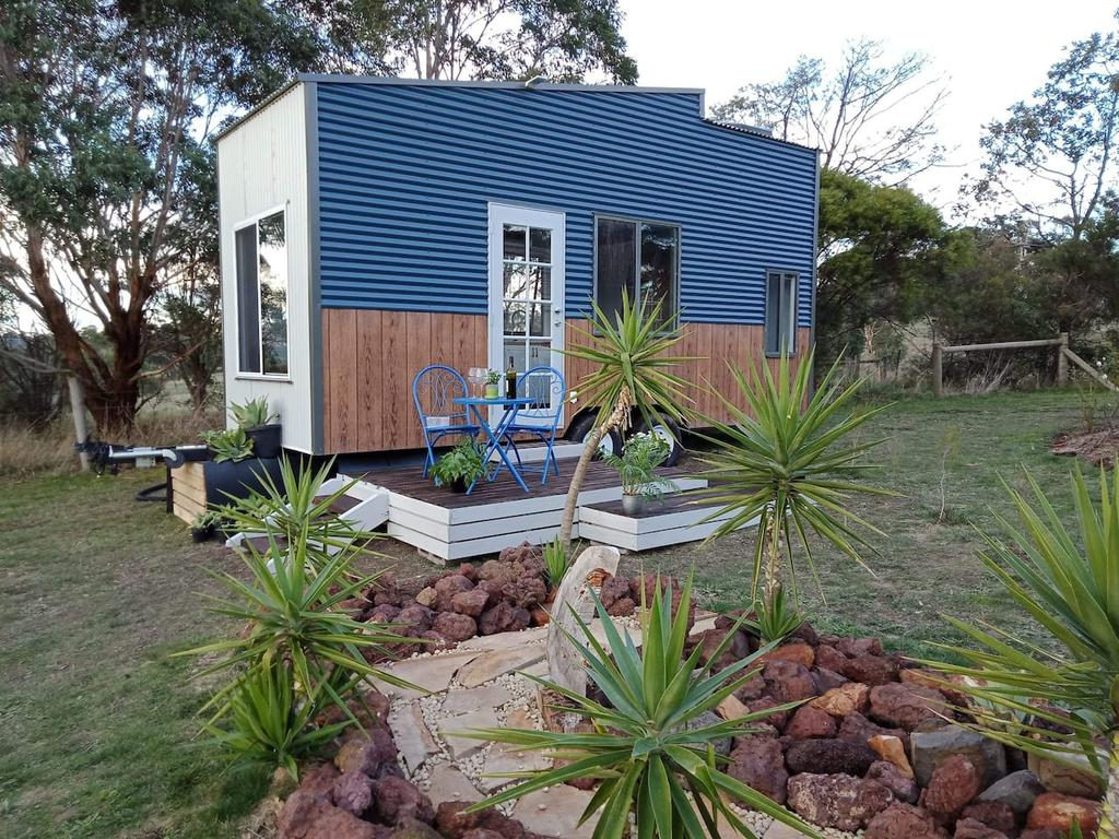 Dyl  Lil's Tiny House on Wheels - Surfers Gold Coast