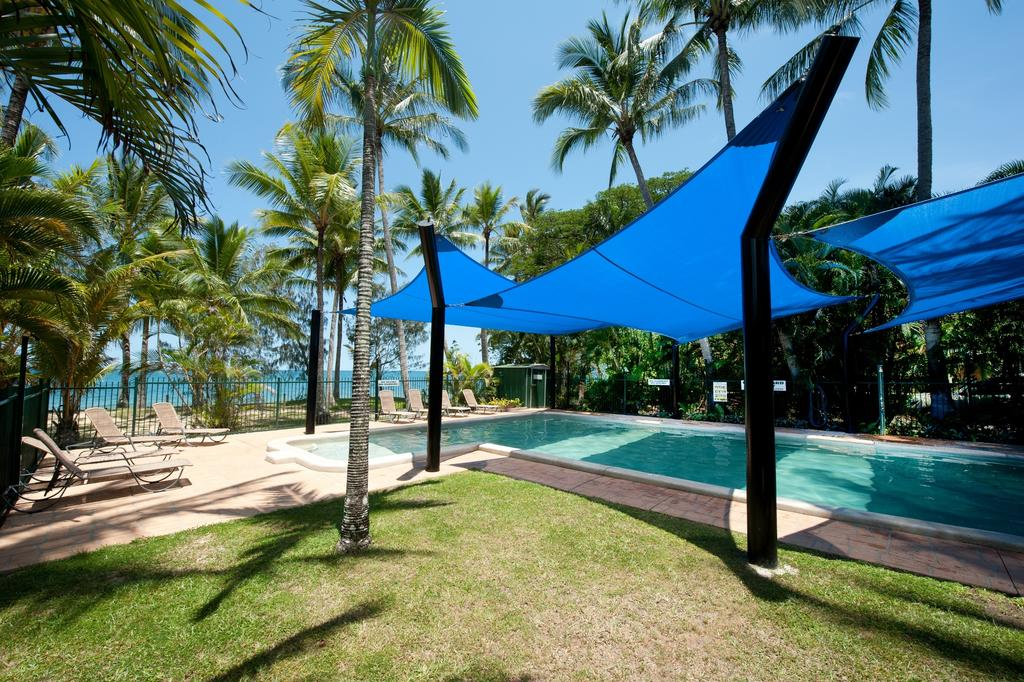Ellis Beach Oceanfront Bungalows - Surfers Gold Coast