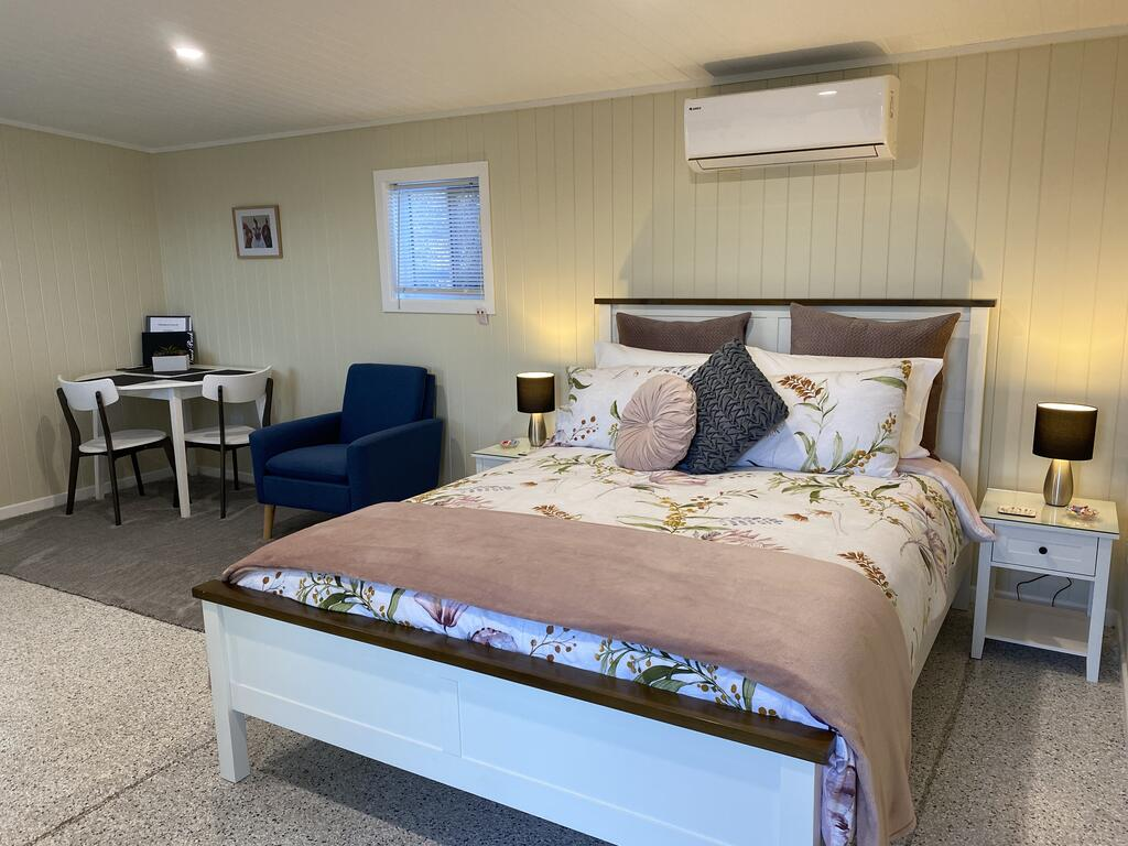 Hideaway on Hume 2 - Surfers Gold Coast