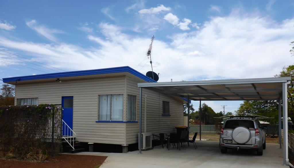 Holiday House Clermont - Surfers Gold Coast