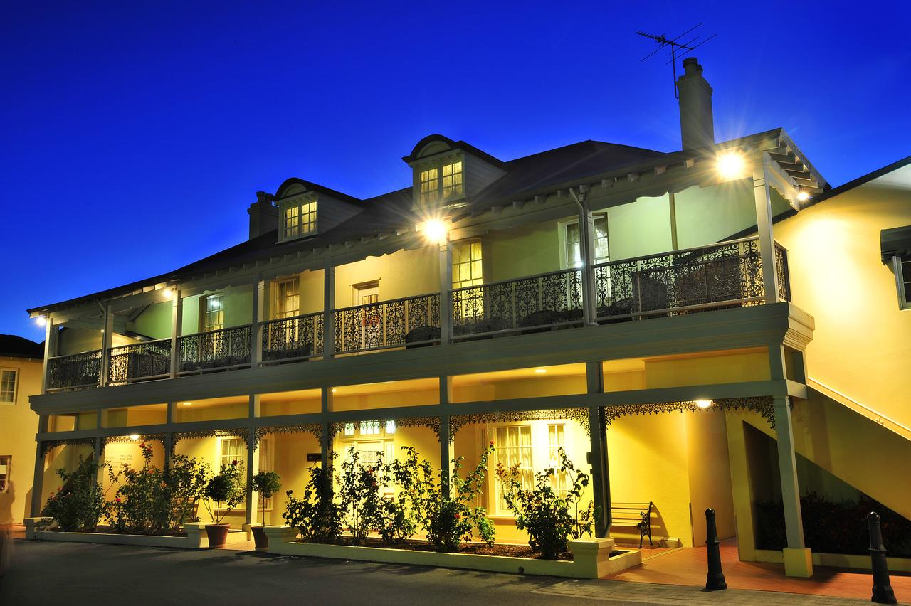 Clifton Motel  Grittleton Lodge - Surfers Gold Coast