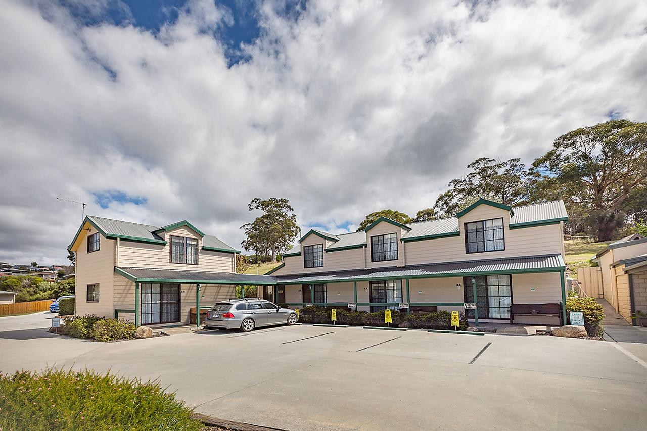 Queechy Motel - Surfers Paradise Gold Coast