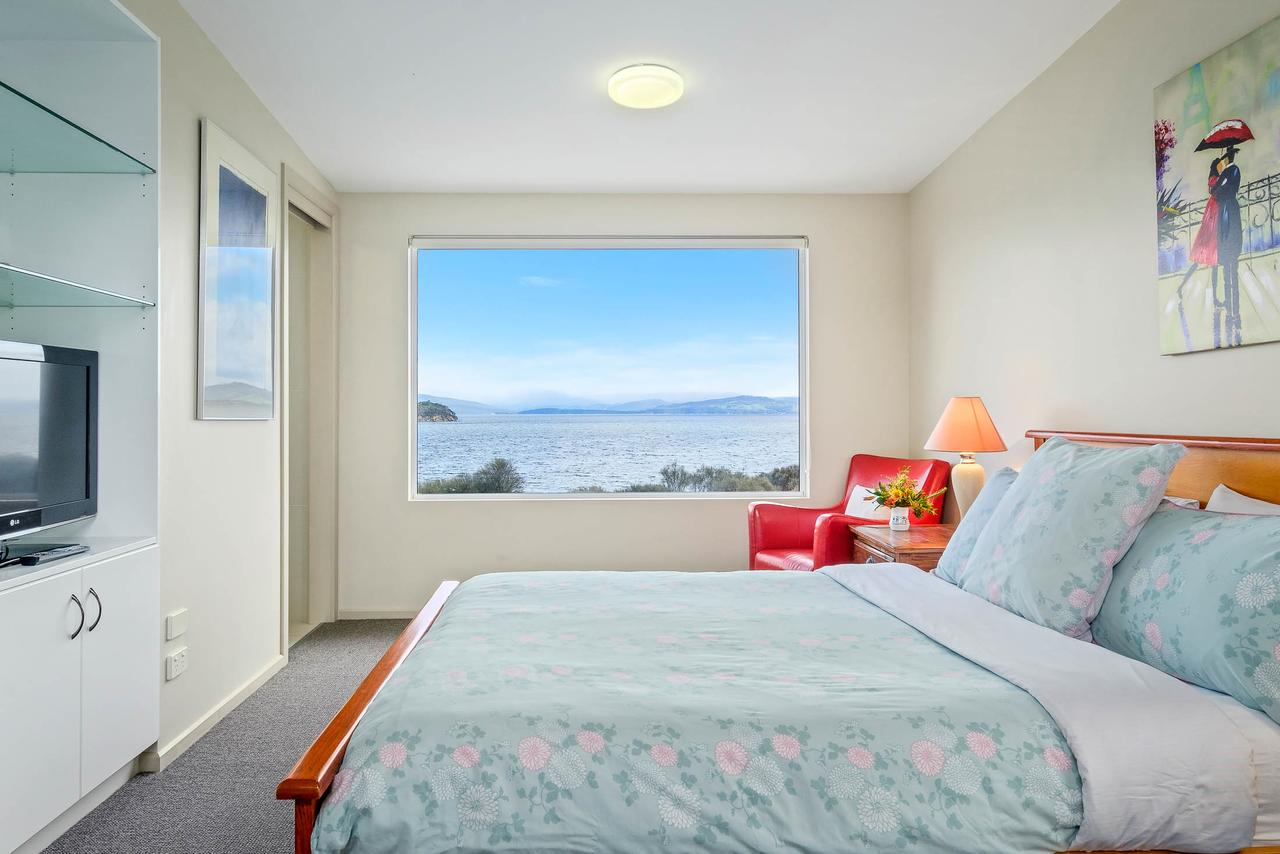 Manfield Seaside Bruny Island - Surfers Paradise Gold Coast