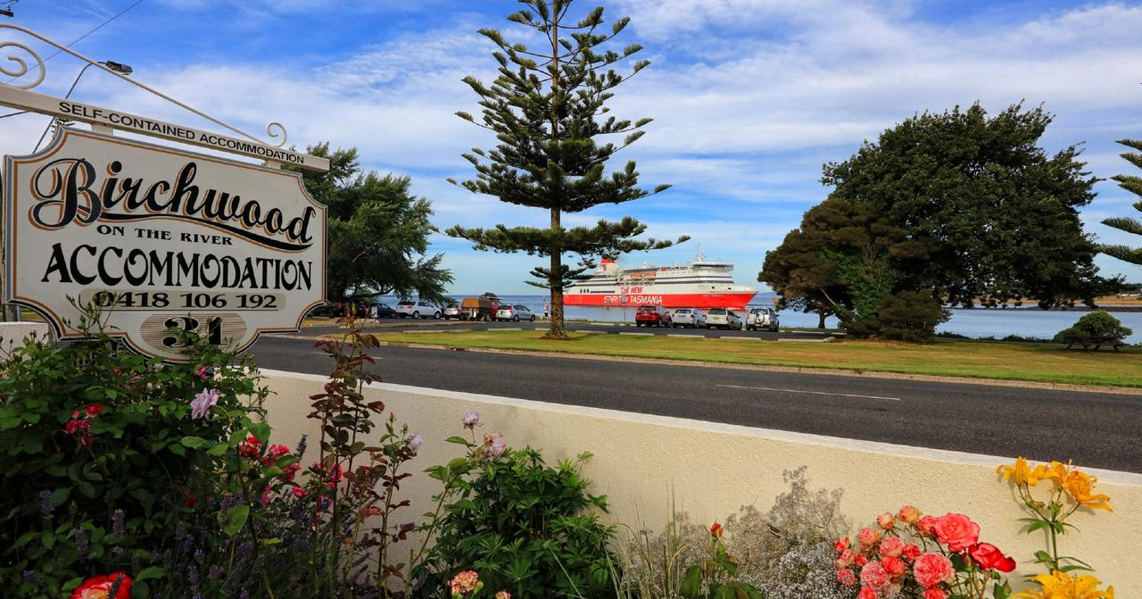 Birchwood Devonport self-contained self catering accommodation - Surfers Gold Coast