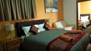 New Olympic Motel - Surfers Gold Coast