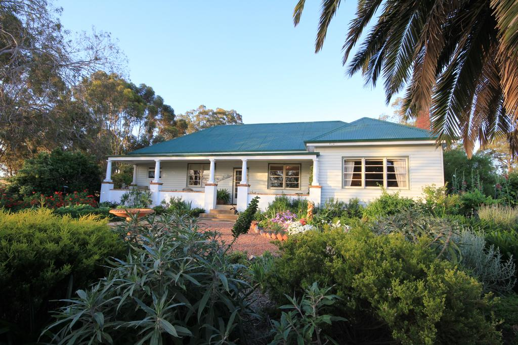 Rostrata Country House - Surfers Gold Coast