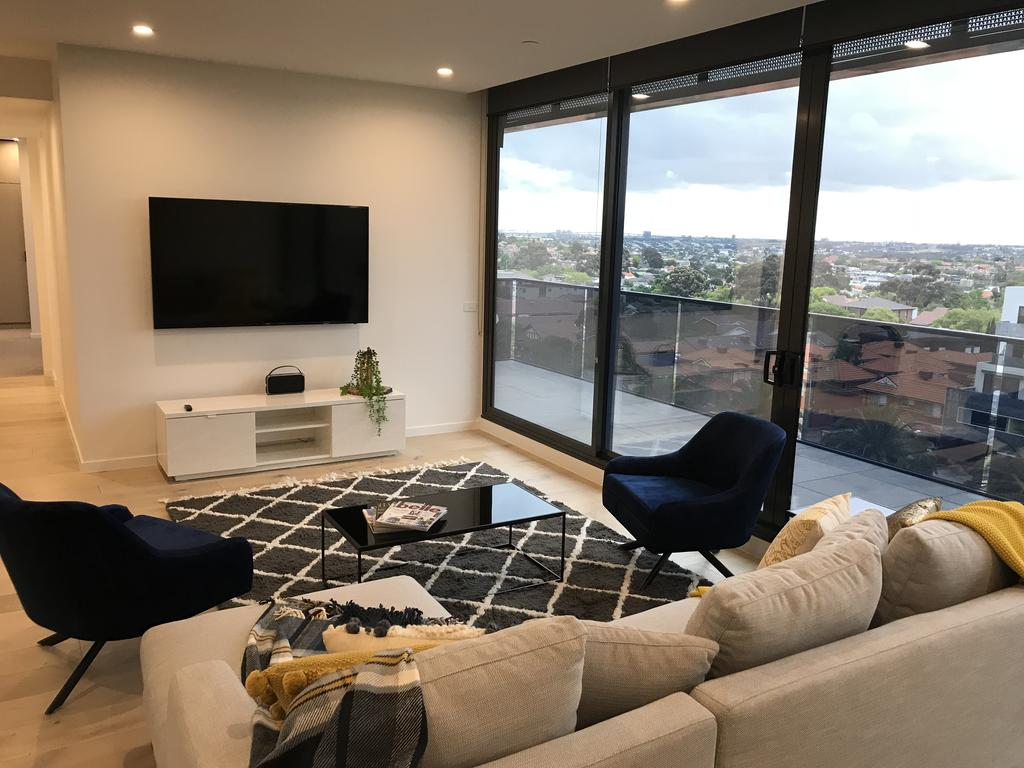 StayCentral Essendon Escape Sub-penthouse - Surfers Gold Coast
