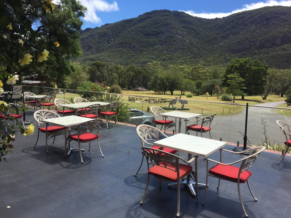 The Grampians Motel and The Views Bar  Restaurant - Surfers Gold Coast